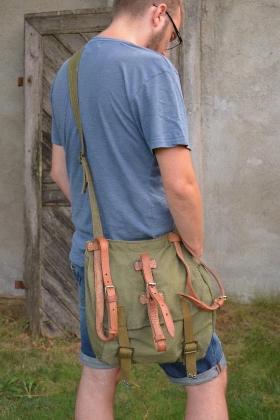 Vintage Light Canvas Messenger Bag, sac à bandoulière armée avec des lanières de cuir, sac de toile vert armée, Cross Body Bag, havresac militaire unisexe