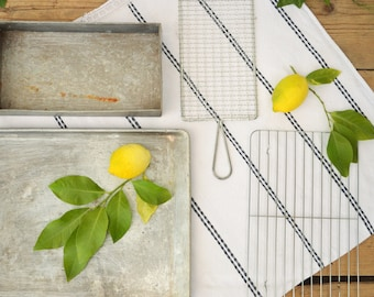 Vintage Baking Tray, Wire Cooling Rack, Food Photo Props