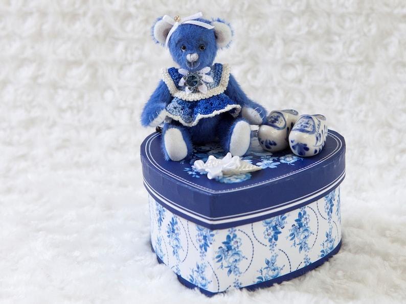 Bekkiebears OOAK artist bear Delfie Delft blue teddy miniature image 1