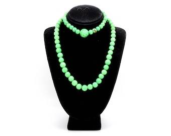 Vintage Green Stone Costume Jewelry Strand Necklace & Bracelet - 13 in. 8 in.