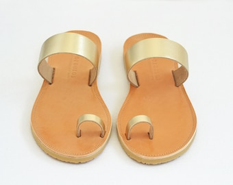 eb77d9ac00d98a Gold sandals