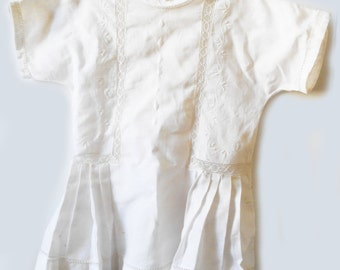 Clothing old baby - white dress with vintage embroidery
