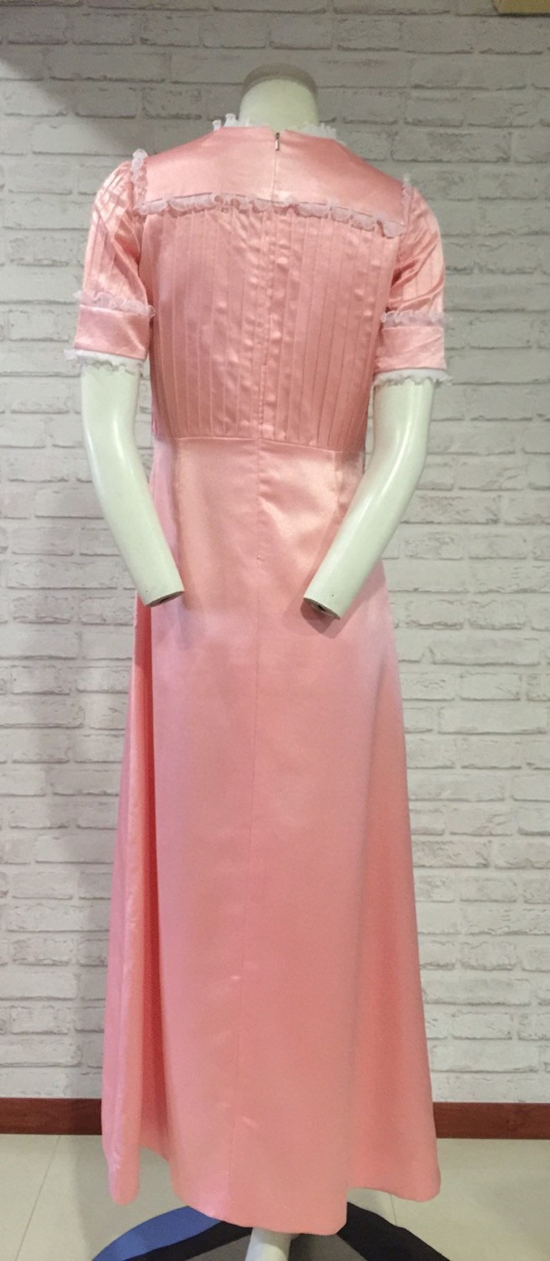 Style no.N2014 1970s classy cutting with lace details Vintage Pink Long Dress Suitable for medium size and tall people
