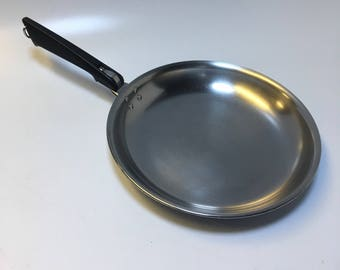 "Vintage Farberware Skillet Saute Pan Chefs Pan Omelette Pan 10 1/2"""