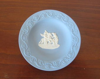 WEDGWOOD - Pale blue jasperware round Pin Tray - Border with ornate scrolls surrounding neoclassical Pegasus cameo - Made in England - 1960s