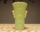 ANCHOR HOCKING Fire King - Art Deco small Vase - White vitrock fired on mint green - Scalloped top and side handles - Made in USA - 1940s