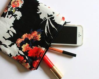 Elegant Floral Theme Bag
