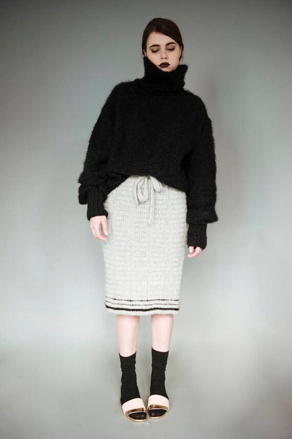 VENDITA maglia maglione nero a collo alto maglione nero  c38e9d5e68b