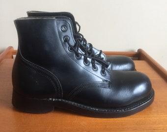 Vintage 1976 Combat Boots. Biltrite Neopreme Cork Oil Resistant. Oil Proof Soles. Size 6 D. New Condition. Deadstock.