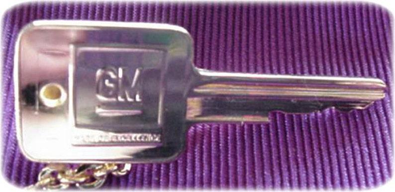 General Motors Key Sweater Guard GM