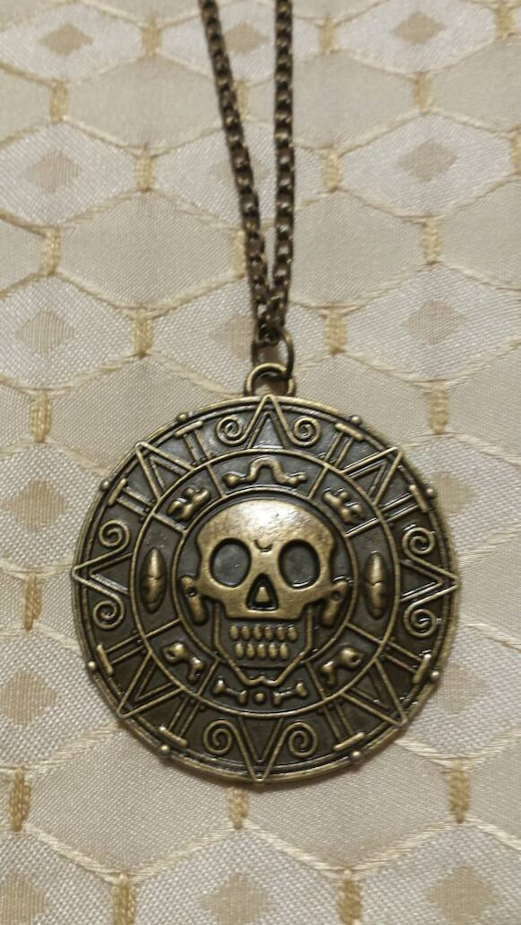 Pirates Of The Caribbean Necklace Skull Aztec Medallion Jack Sparrow Coin UK