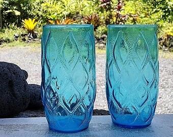 Blue Glass Tumblers, Anchor Hocking Madrid Pattern Glasses, Vintage Textured Diamond Pattern Glasses Set of Two (2), Vintage Glassware
