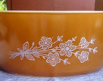Pyrex Butterfly Gold 2 1/2 Quart Covered Casserole, Vintage Pyrex With Clear Lid , Pyrex Casserole, Collectible Pyrex