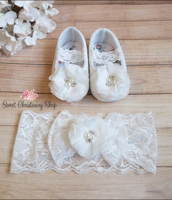 BABY GIRLS BOYS PLAIN SATIN BIB LACE EDGE CHRISTENING WEDDING WHITE  IVORY CREAM