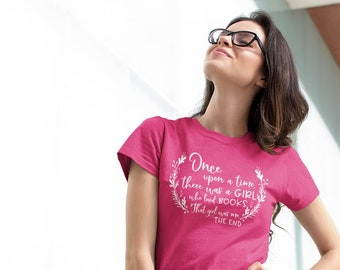 Once upon a time a Girl who loved Books Librarian T-shirt | Reading