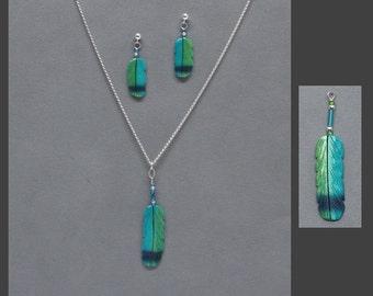Silver Hawk Studio ~ The ORIGINAL BONE FEATHER Jewelry! Set shown in Green Violet-eared Hummingbird