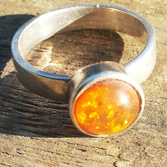 POLISH Amber and sterling silver Ring