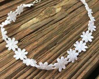 Simple Lace Flower Choker