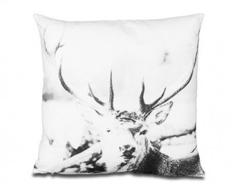 Decorative pillow Deer