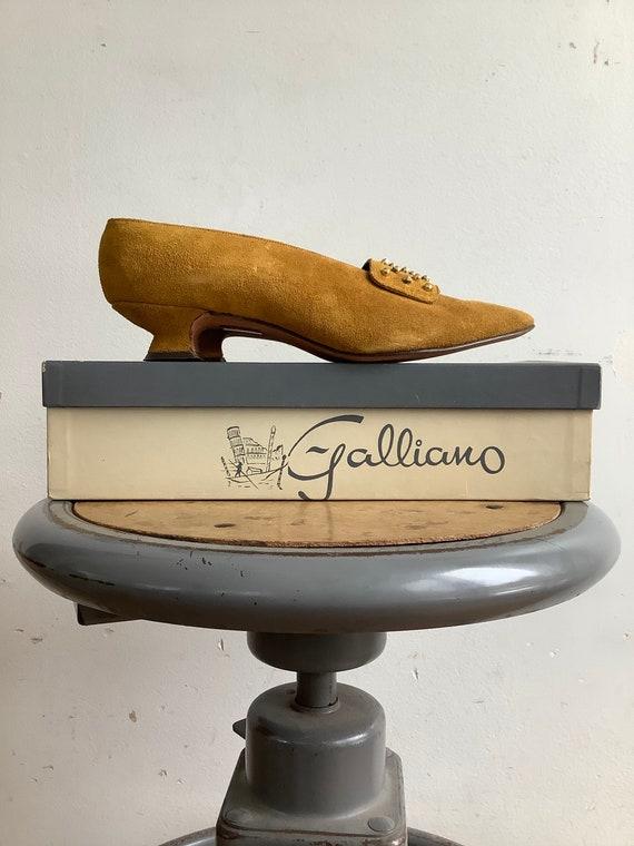 Vintage shoes - 1960s shoes - vintage suede shoes
