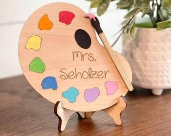 Art Teacher Gift - Personalized Art Teacher Sign - Art teacher desk Decor - Art Graduate Gift - Gifts for Art Teachers - Art Teacher Palette