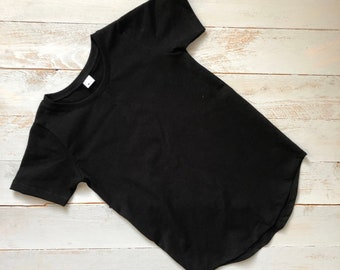 top/ modern Shirt/ summer t-shirt/ trendy black top/ black kids tee /rounded bottom/ Black short sleeve / baby tee/ basic black T-shirt