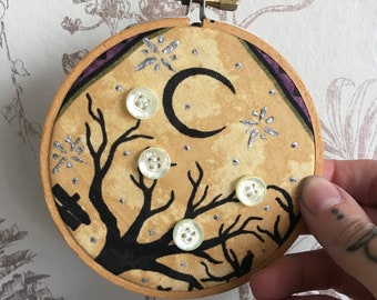 Halloween mini embroidery style hoop. Button and outline detail. Moon scene.