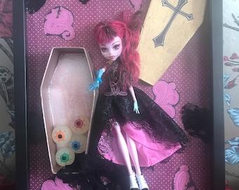 Horror Vampire Dolly Frame. Cute and Creepy Box Frame. Pink, Gold, Coffin, Eyeballs.