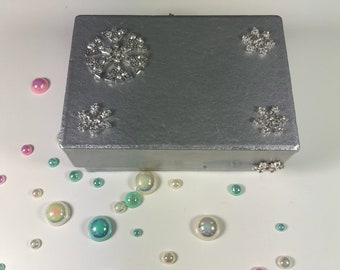 Snowflake Themed Silver and Purple Smal Gift Box or Business Card Holder. Decoupage and Spraypainted.