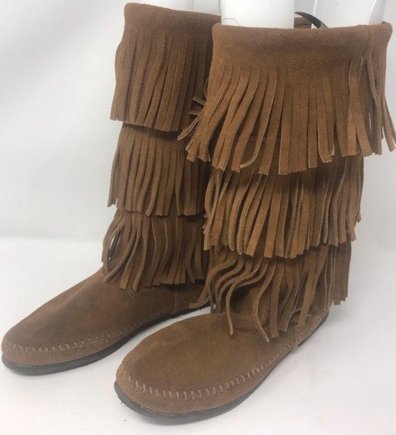 Vintage 3 tier Brown suede Minnetonka fringe boot/