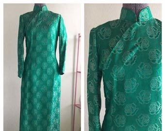 "Vintage 60s 70s Cheongsam Long Sleeve Dress | Green Floral Roses Chinese Mandarin Collar  30"" Waist 