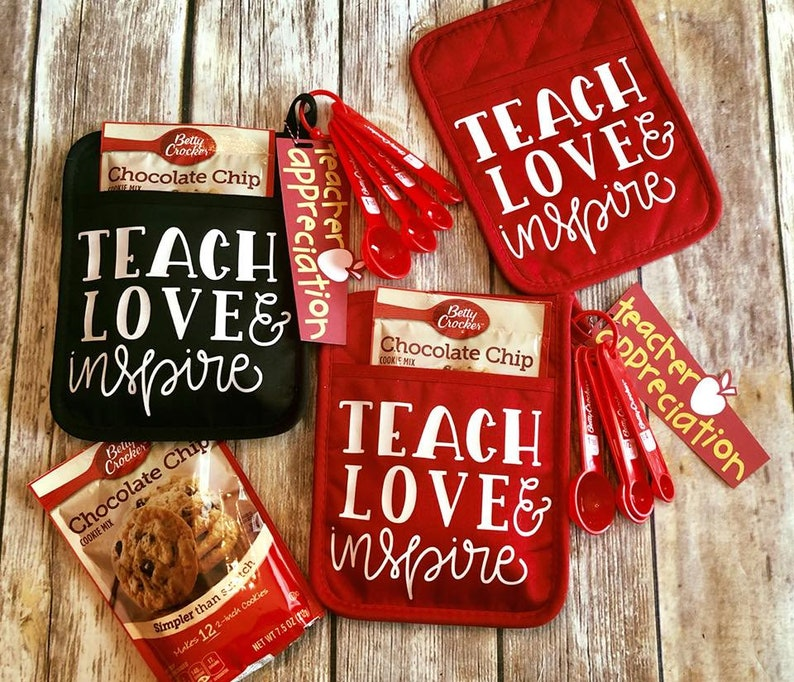 Girl Scout Leader Teaching Gifs Elementary Teacher Teach Love Inspire Teacher Appreciation Potholder Gift Set