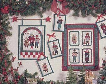 FREE US SHIP Debbie Mumm   Debbie Mumm's the Word Christmas A Joyful Noise Caroler QuiltSewing Pattern Folk Art