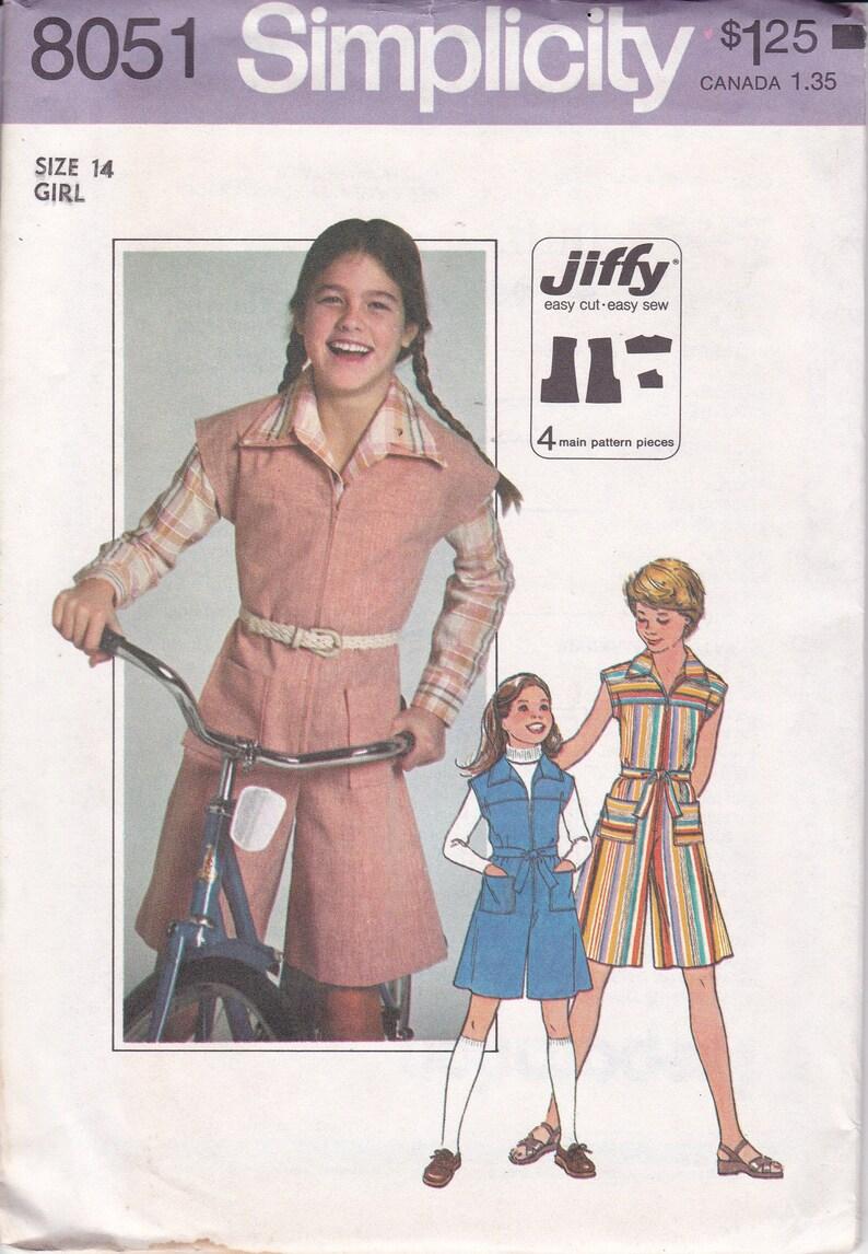 Vintage Sewing Pattern Vintage Sewing Pattern Simplicity 8051 image 0