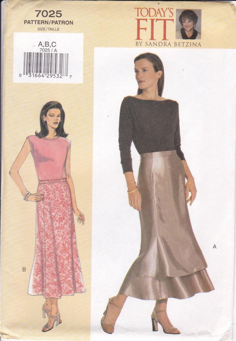 Vogue 7025  Sewing Pattern Today's Fit Sandra Betzina image 0