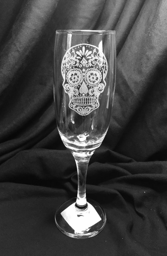 SUGAR SKULL champagne flute,  prosecco, etched, engraved glass, personalised, day of the dead, dia de los muertos, wedding gift, toasting