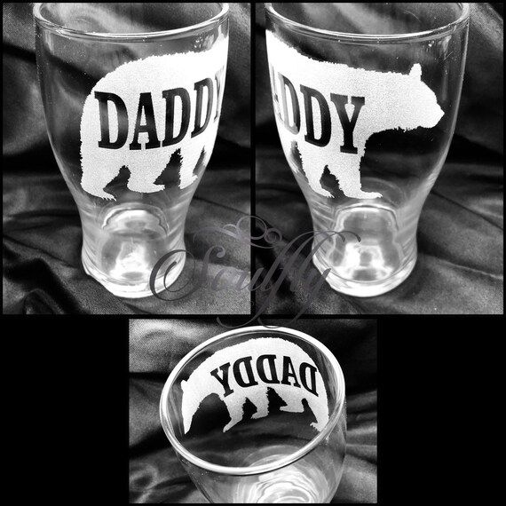 DADDY BEAR personalised, Engraved, Etched glass, Beer, pint, tankard, wine,champagne, wedding, gift, christmas, mum, mom, dad,