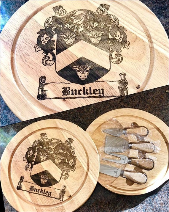 FAMILY CREST ENGRAVED cheeseboard etched coat of arms, name, christmas gift, cutting board, tools, cheese, wedding, fathers day, dad,