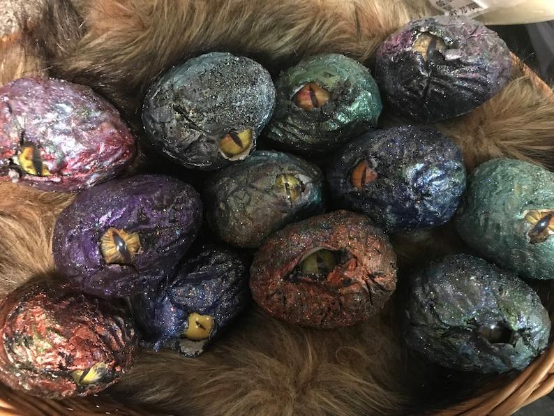 Hatching dragon egg image 0