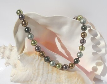Swarovski green crystal pearl mix necklace