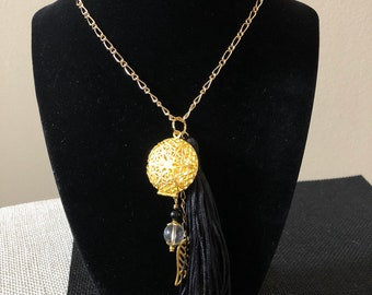 Aromatherapy Essential Oil Diffuser Locket with Tassel