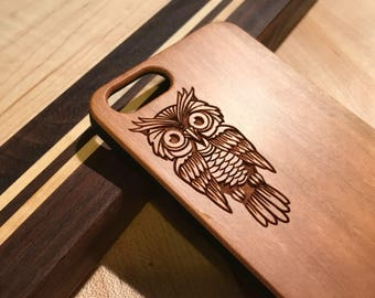 Sitting Goofy Owl Real wood laser engraved phone case Iphone 6 6s 6s plus 7 7plus 8 8plus birthday, christmas, anniversary