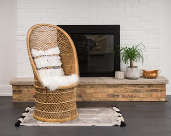 Vintage Peacock Rattan Fan Chair/ Barrel Wicker Chair/ Accent Chair/ LOCAL  P/