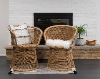 Vintage Set of 2 Rattan Fan Chairs/ Barrel Wicker Chairs/ Accent chairs/ Dining Room Chairs/LOCAL P/U Chicago, Il area or your Shipper!