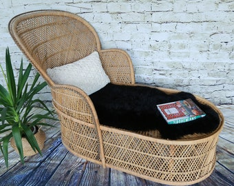 Vintage Wicker Lounge Chair/ Accent chair/ Rattan chair/ LOCAL P/U Chicago, Il area or Your Shipper!!!