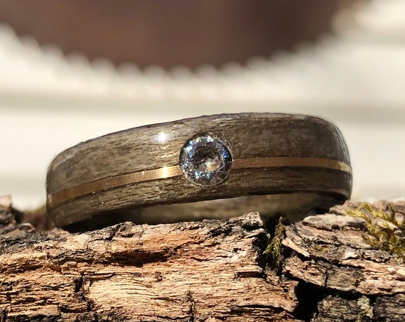 Recycled wood and 14k gold wedding ring - A boho diamond wedding band for men or women - Handcrafted in Montréal