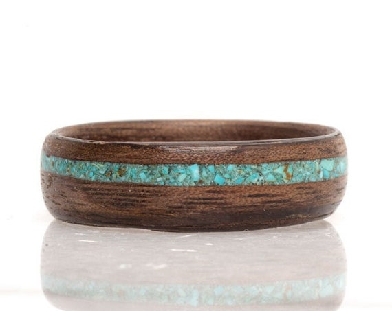 Wood resin and turquoise wedding ring - A turquoise gemstone ring for men with recycled wood -  Personalized gift, handmade in Canada