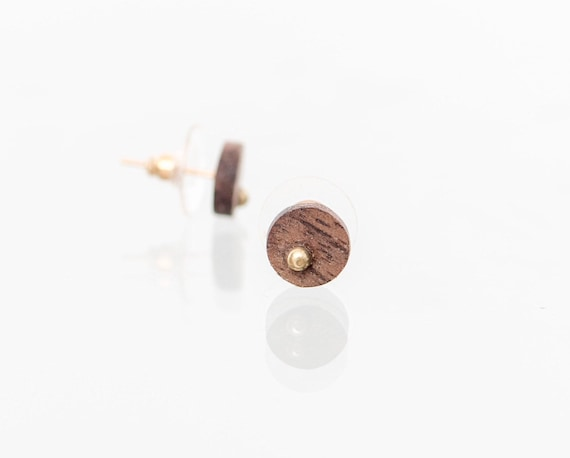 Wood stud earrings with gold inlay. Minimalist recycled wood earring studs. Personalized gift idea. Handmade in Canada