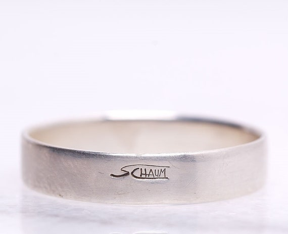 Personalized 925 silver ring - A minimalist band ring for men to gift - Handcrafted in Canada