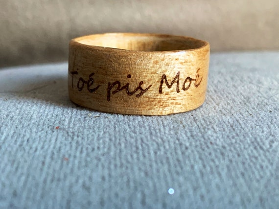 Personalized ring in recycled wood - Wooden ring with pyrography - Engraved jewelry - Ideal for Valentine's day gift